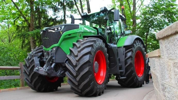 Fendt 1000 vario tracteurs caract ristiques photos et vid os - Cars et les tracteurs ...
