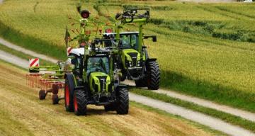 Les tracteurs d'élevage Claas de 75 à 140 ch pour 2015