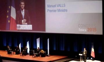Manuel Valls a r�ussi son examen de passage face � des agriculteurs d�pit�s