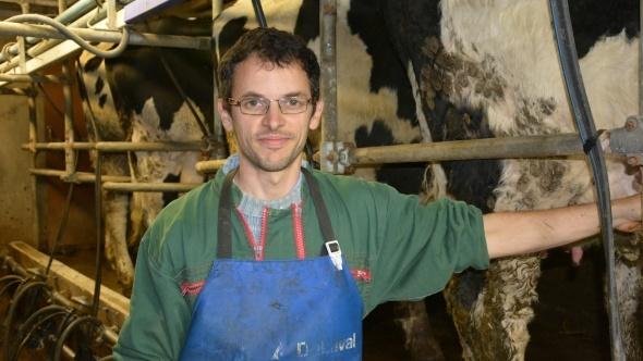 Gérard Grandin éleveur laitier dans l'Orne