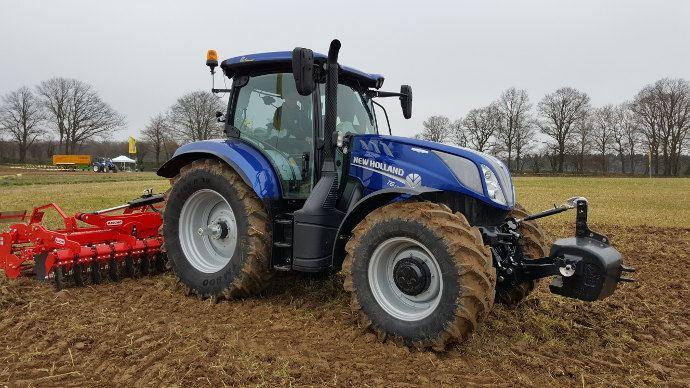Nouveaux tracteurs - Les T6génération 2016 de New Holland débarquent en Gaule!