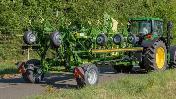 Krone : fauchage et andainage made in Germany