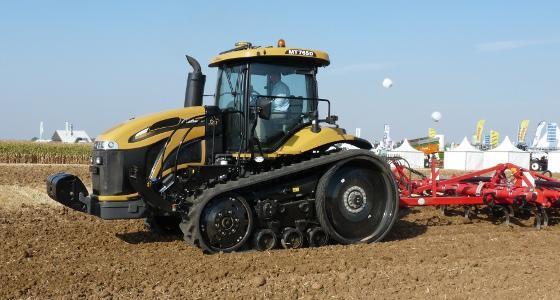 mt800e tracteur chenilles challenger stage iv de tr s forte puissance. Black Bedroom Furniture Sets. Home Design Ideas