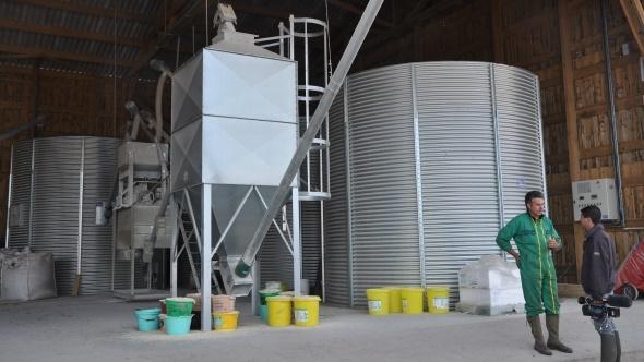 Dans une exploitation bovine, le coût de la Faf lié aux amortissements, aux frais d'entretien et de fonctionnement est de l'ordre de 16 à 25 €/t pour une centaine de tonnes par an.