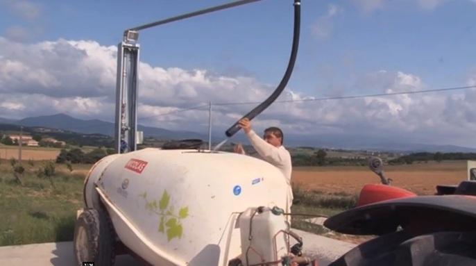 Au cœur de l'Ardèche verte, sur les flancs de la vallée du Rhône, 52 exploitants agricoles et un conseillé privé ont monté un groupement d'intérêt économique pour répondre à un appel à projet lancé par l'Agence de l'Eau, sur le thème de la réduction des pesticides.