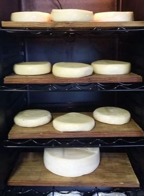 affinage fromages cave a vin ferme de nermoux vendee