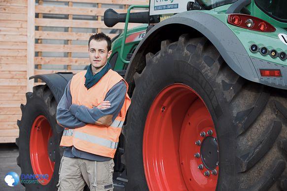 « Le VarioDoc Pro utilisé sur le tracteur de la Cuma me fait gagner du temps et réduit le risque d'erreur », constate Simon Bonnard, responsable agro-environnement de la Sica Terragr'Eau.