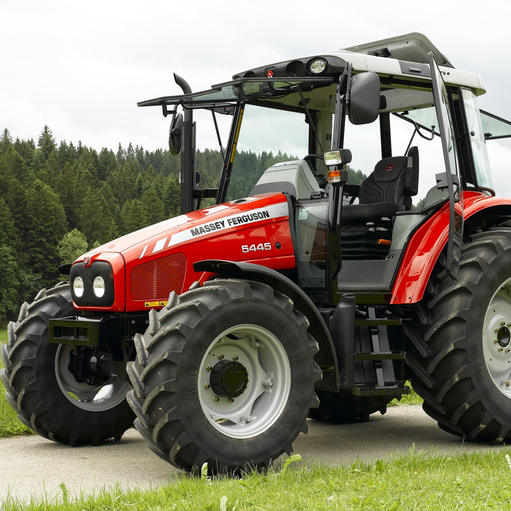 fiche technique tracteur massey ferguson 5445 de 2011. Black Bedroom Furniture Sets. Home Design Ideas