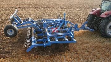Les vibro et cultivateurs Carré disponibles en version traînée