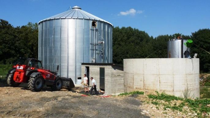 Méthaniseur dans un silo à grains.