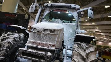 Des tracteurs... à un épandeur automoteur : les photos des nouveautés du salon