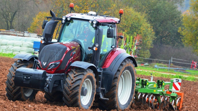 tracteur valtra s rie t stage 4 tier 4 final tracteur valtra t4. Black Bedroom Furniture Sets. Home Design Ideas