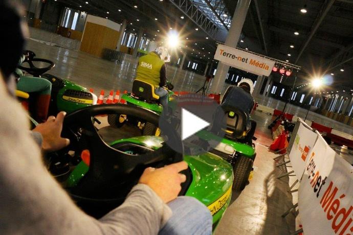Courses de tracteurs tondeuses john deere pour espaces - Salon au parc des expositions villepinte ...