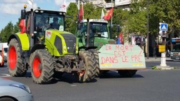 Le gouvernement annonce des aides aux agriculteurs sans les convaincre