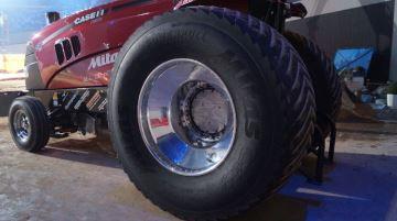 Mitas lance un pneu lisse spécial tracteur pulling