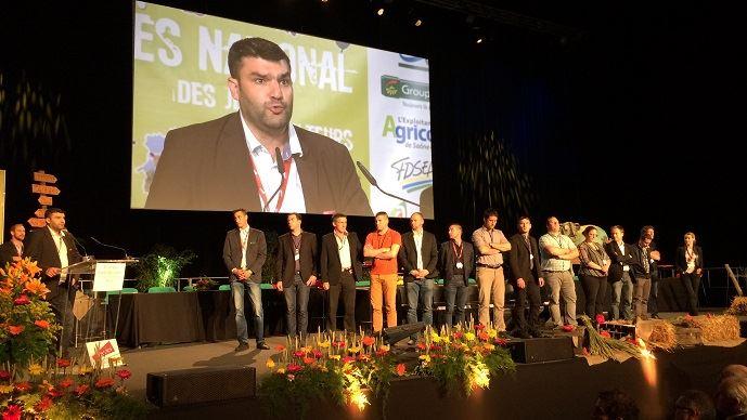Jérémy Decerle, nouveau président de Jeunes agriculteurs, avec la nouvelle équipe dirigeante du syndicat.