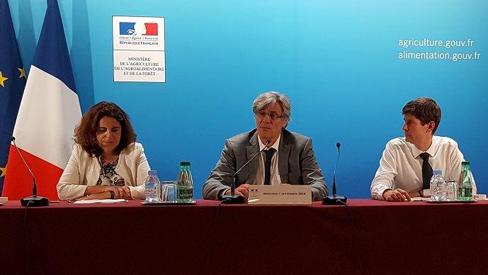 Stéphane Le Foll a présenté devant la presse, mercredi 7 septembre 2016, le calendrier de versement des soldes des aides Pac 2015 et de celui des aides Pac 2016.