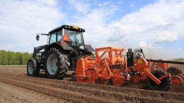 Valtra N121: une nouvelle race de tracteur nordique