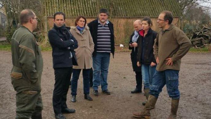 Le 24 novembre dernier, Benoît Hamon visitait une exploitation agricole biologique à Evrecy, dans le Calvados.