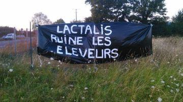 Lactalis rompt le contrat de cinq producteurs de lait ayanttémoigné