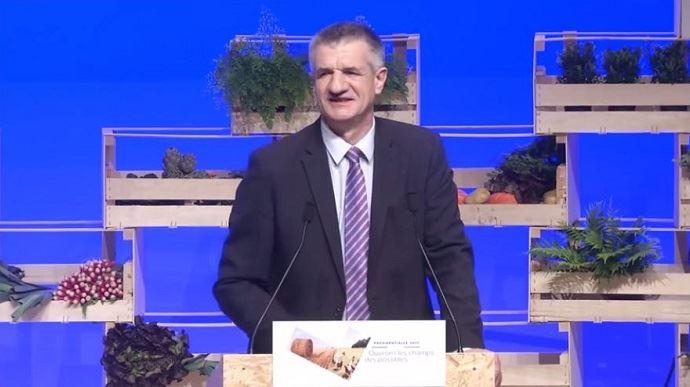 Jean Lassalle, lors de son audition devant les agriculteurs de la FNSEA et les représentants des organisations du conseil de l'agriculture française, le 30 mars dernier à Brest.
