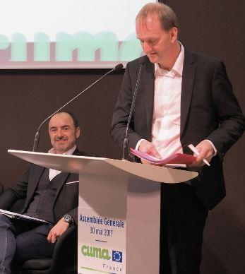 Luc Vermeulen au pupitre lors de l'Ag de la FNCuma le 30 mai 2017.