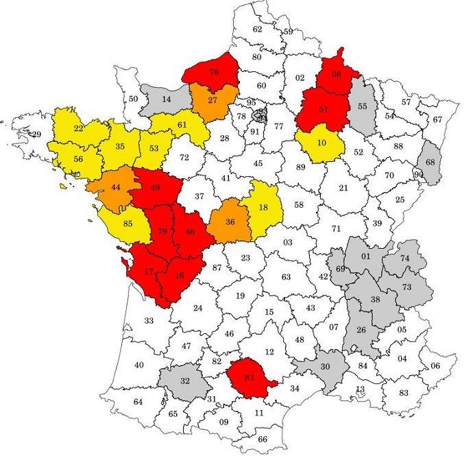 Carte des arrêtés départementaux de restriction de l'usage de l'eau au 15 juin 2017