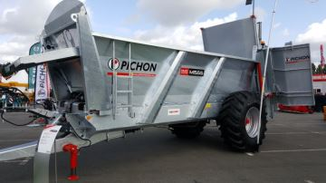 Pichon: nouvel épandeur à hérissons verticaux de 15m3
