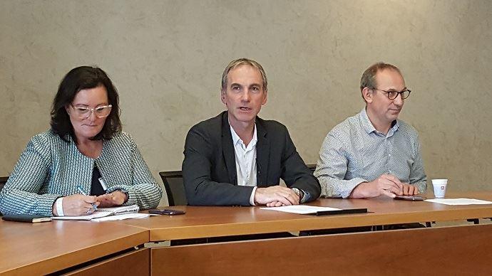Marie-Thérèse Bonneau, Thierry Roquefeuil et André Bonnard, ici en septembre 2017, entendent bien concrétiser les engagements pris du plan de filière laitière en matière d'indicateurs de valorisation, d'ici début juillet 2018.