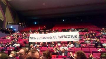 Face au ministre, le «non au Mercosur! » des éleveurs de bovins viande