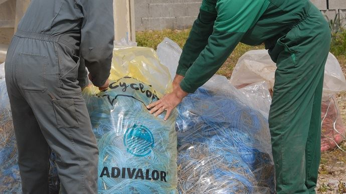 Les sacs de collecte sont à demander à de votre fournisseur habituel qui se chargera aussi de les récupérer une fois remplis.