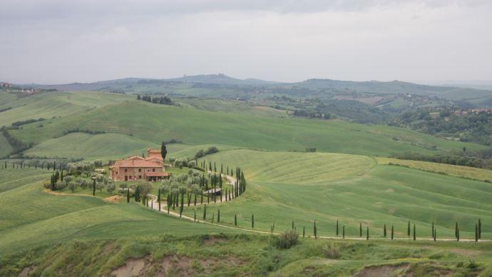 Les terres italiennes sont parmi les plus chères d'Europe, ce qui complique financièrement l'installation des jeunes dans le Nord de l'Italie.