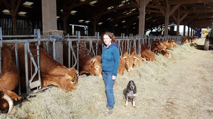 Avec son mari Fabien, Laetitia Dumont a décidé de maîtriser l'ensemble de la production et de la découpe de ses animaux pour bénéficier d'une meilleure valeur ajoutée.