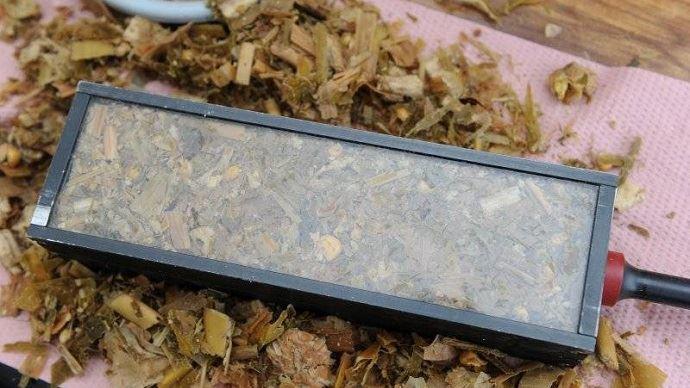 Trois pieds de maïs représentatifs de la parcelle suffisent pour analyser la matière sèche des mais en vert en vue de caler la date d'ensilage