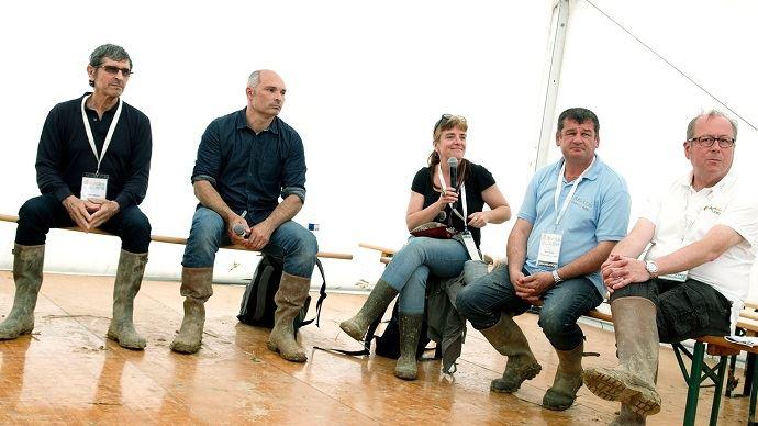De gauche à droite: Paul Barradat, Romain Planès, Laurence Fontaine (ITAB), Régis Hélias (Arvalis), Serge Rostomov (Agri bio union).
