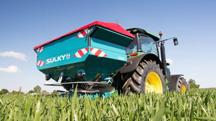 Sulky DW X-Control pour épandeur série 30, l'agriculture de précision pour la polyculture