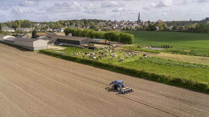 L'artificialisation des terres agricoles, à son rythme actuel, ferait disparaître le foncier agricole français en 500 ans.