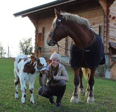 Si Perrine est passionnée par les animaux, c'est grâce à son père éleveur laitier