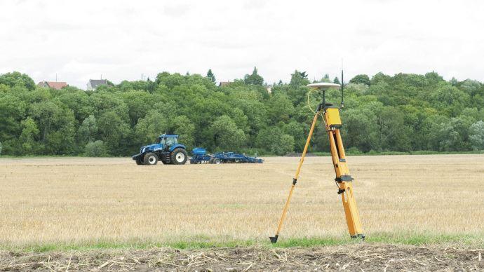 Tracteur New Holland équipé d'une solution PLM