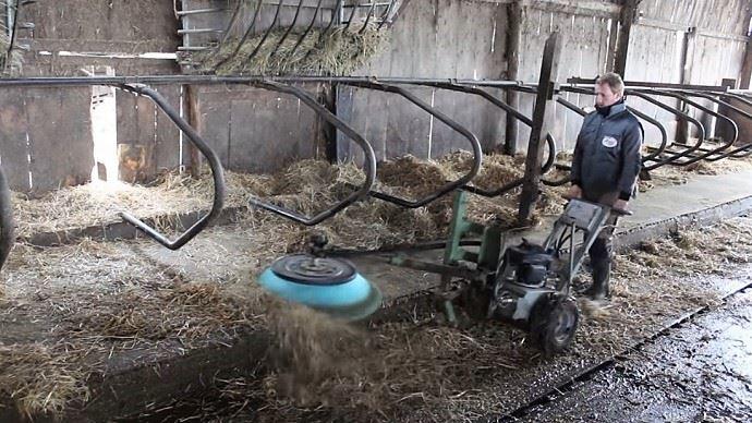 Pour éviter les contaminations éventuelles, le nettoyage des logettes est primordial.