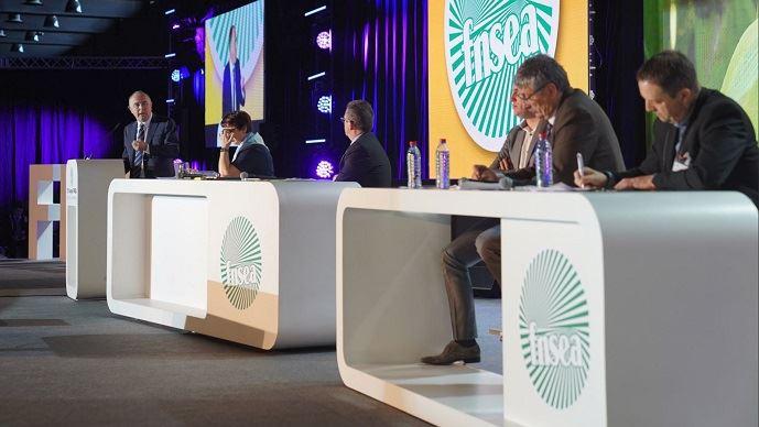 Didier Guillaume, le ministre de l'agriculture, en clôture du congrès 2019 de la FNSEA, a promis que le chantier du stockage de l'eau était réouvert, pour développer des