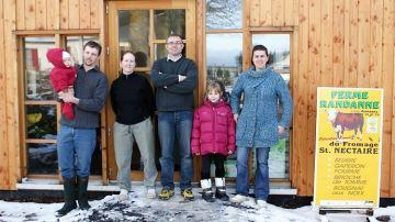 Dans le Puy-de-Dôme, 40 vaches laitières 100% herbe font vivre 4 personnes
