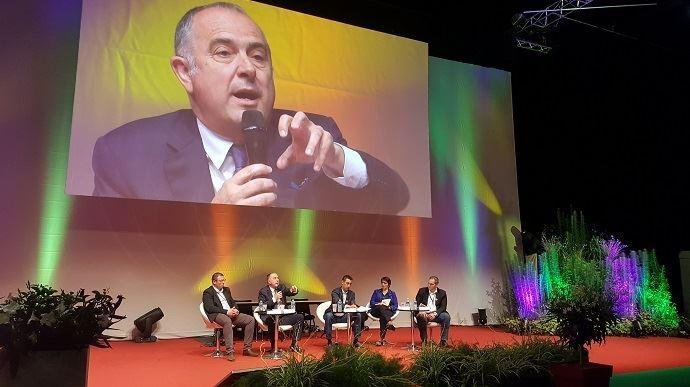 Pour la clôture du congrès de Jeunes agriculteurs, jeudi 6 juin à Roanne, dans la Loire, Didier Guillaume s'est prêté à un exercice de questions-réponses, avec les jeunes congressistes.
