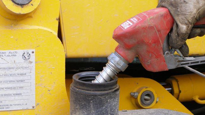 Le taux réduit du GNR sera compensé par la création d'un carburant agricole.
