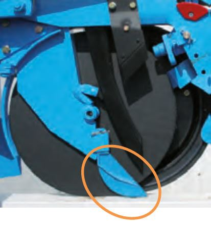 Vérifier l'état d'usure de la pointe située entre les doubles disques.