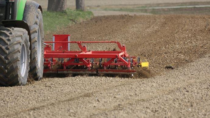 Pour 2020, plus de la moitié des agriculteurs ont revu à la baisse leur programme d'investissements pour l'exploitation.