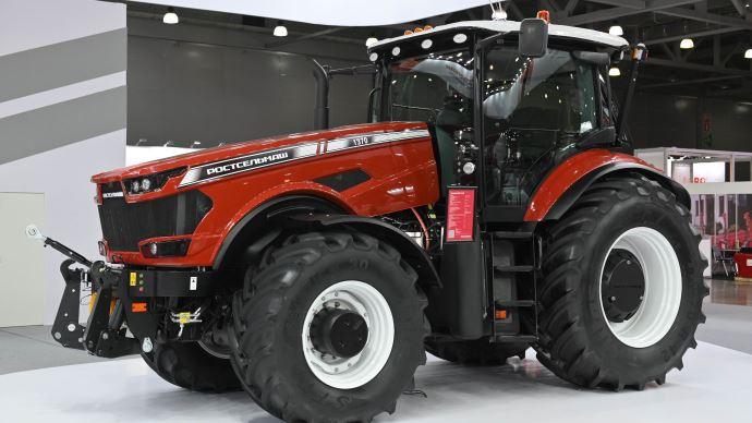 Tracteur Rostelmash RSM1370