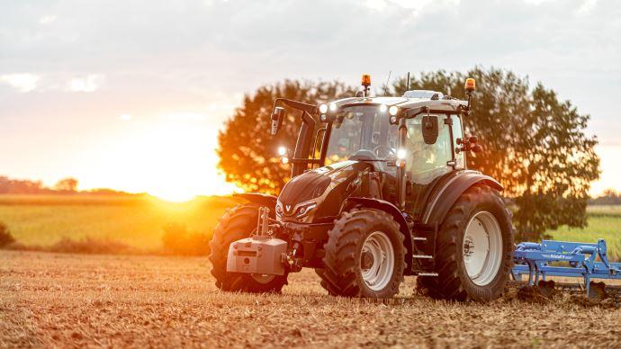 Tracteur Valtra G135 Versu