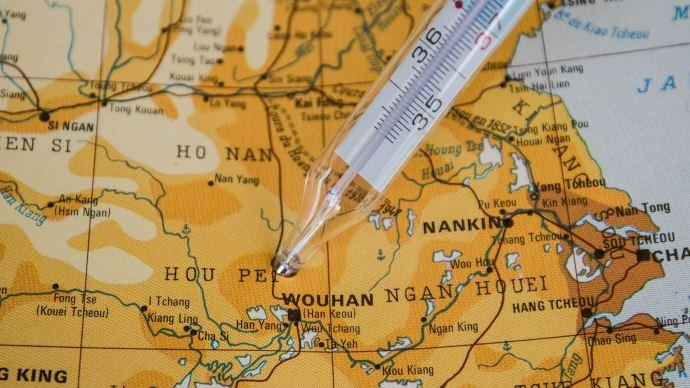 Thermomètre posé sur carte de Chine
