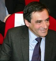 """Un plan d'urgence """"massif"""" annoncé sous peu par Sarkozy (Fillon)"""